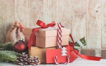 новый год, подарки, конфеты, лента, рождество, шишки, новогодние украшения, композиция, декор