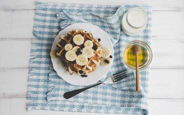 ягоды, черника, завтрак, молоко, мед, банан, вафли