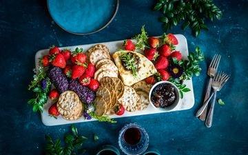 еда, клубника, сыр, ягоды, лесные ягоды, печенье, вина, брынза, галеты
