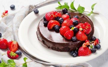 клубника, ягоды, черника, шоколад, торт, крем