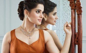 украшения, девушка, отражение, взгляд, зеркало, модель, губы, лицо, прическа, знаменитость, индийская, прия бапат