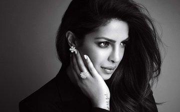 девушка, портрет, взгляд, чёрно-белое, губы, актриса, индийская, приянка чопра