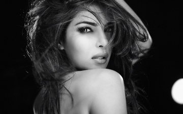 девушка, взгляд, чёрно-белое, модель, волосы, лицо, актриса, знаменитость, индийская, приянка чопра