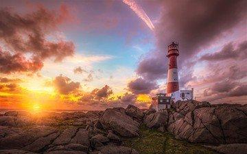 небо, облака, скалы, природа, море, маяк, закат солнца