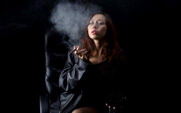 девушка, взгляд, дым, модель, волосы, черный фон, азиатка, сигара