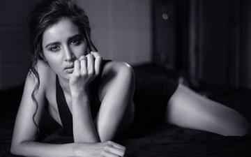 глаза, девушка, поза, брюнетка, чёрно-белое, модель, волосы, губы, лицо, актриса, фигура, знаменитость, болливуд, индийская, sonali barthwal