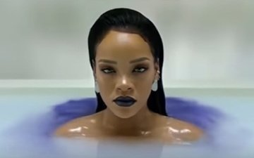 girl, portrait, look, lips, singer, makeup, bath, rihanna