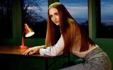 девушка, взгляд, лицо, длинные волосы, софи тернер, aктриса, настольная лампа