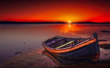 небо, озеро, берег, закат, горизонт, лодка, сумерки