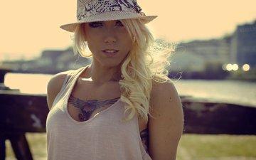 девушка, блондинка, портрет, взгляд, модель, татуировки, лицо, макияж, шляпа