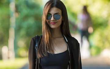 girl, smile, look, glasses, hair, face, actress, singer, victoria justice