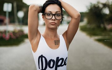 girl, look, glasses, model, tattoo, hair, face, hands, mike
