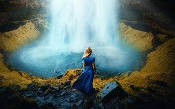 камни, девушка, блондинка, водопад, водоем, модель, синее платье, ronny garcia
