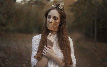девушка, осень, модель, лицо, кленовый лист, длинные волосы, закрытые глаза