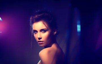 огни, неон, девушка, взгляд, модель, лицо, ксения кокорева, голое плечо