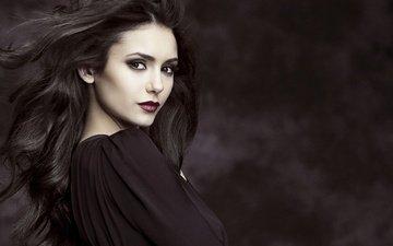 девушка, портрет, взгляд, волосы, лицо, актриса, макияж, черное платье, нина добрев, знаменитость