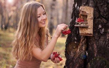 nature, girl, blonde, smile, look, autumn, hair, face, berries, birdhouse, rowan
