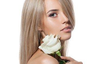 девушка, блондинка, взгляд, модель, волосы, лицо, белый фон, белая роза