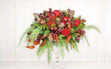 цветы, розы, букет, ваза, композиция, астранция, скимия