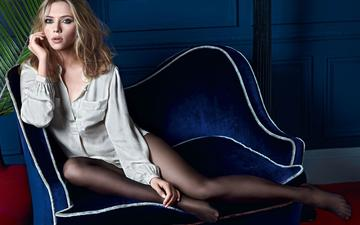 girl, pose, blonde, look, tights, legs, hair, face, actress, sofa, scarlett johansson, celebrity