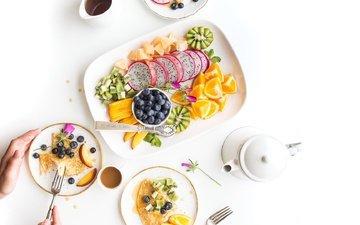 ягода, фрукты, кофе, апельсин, чашка, дольки, киви, черника, блины, нектарин, питайя