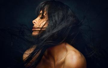 девушка, брюнетка, модель, профиль, черный фон, длинные волосы, закрытые глаза, голые плечи, zachar rise, yanika