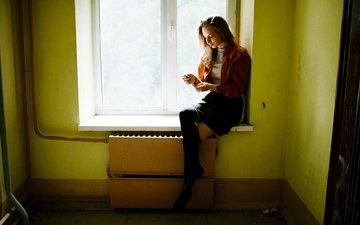 девушка, поза, взгляд, ножки, волосы, лицо, окно, сидя, марат сафин