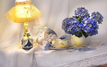 цветы, лампа, ваза, коробка, кружева, скатерть, гортензия, абажур, молочник, тесьма, валентина колова