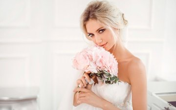 flowers, dress, blonde, look, bouquet, makeup, hairstyle, in white, the bride, bokeh