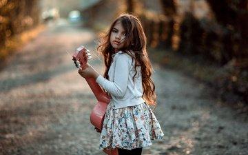 дорога, гитара, взгляд, дети, девочка, лицо, ребенок, локоны, длинные волосы, marhraoui