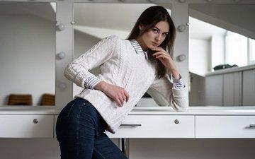 девушка, фон, поза, взгляд, модель, джинсы, волосы, лицо, фигура, свитер, анастасия