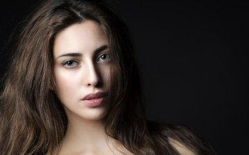 глаза, девушка, портрет, взгляд, модель, волосы, черный фон, губы, лицо, serena