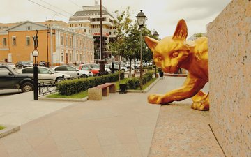 cat, the city, street, russia, building, area, sculpture, tyumen, street. building