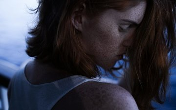 девушка, волосы, лицо, локоны, губки, веснушки, закрытые глаза, вдвоем, michael farber