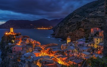 clouds, lights, mountains, sea, coast, house, italy, town, architecture, vernazza, beach liguria