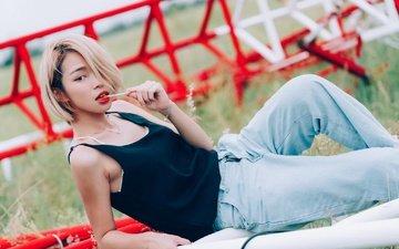 стиль, девушка, взгляд, модель, джинсы, волосы, лицо, азиатка, конфета, чупа-чупс