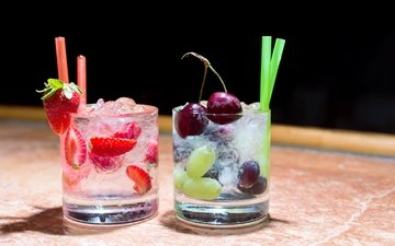 grapes, strawberry, ice, berries, cherry, cocktail, drinks, glasses, tube