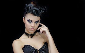 девушка, взгляд, модель, готика, черный фон, лицо, макияж, прическа, венок, черное платье, anna maria