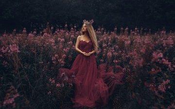 цветы, девушка, настроение, платье, корона, длинные волосы, закрытые глаза