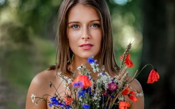 flowers, girl, portrait, look, hair, bouquet, lips, face, bare shoulders, saulius ke, raminta