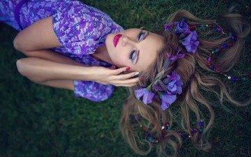цветы, трава, девушка, модель, волосы, лицо, макияж, лежа, фиолетовое платье
