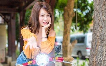 рука, девушка, улыбка, взгляд, волосы, лицо, азиатка, боке