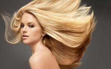 девушка, блондинка, портрет, взгляд, модель, волосы, губы, лицо, голое плечо