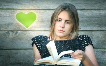 девушка, взгляд, сердце, волосы, лицо, книга, чтение