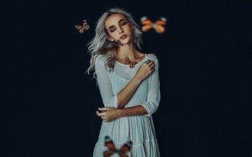 девушка, настроение, черный фон, бабочки, макияж, белое платье, закрытые глаза