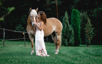 horse, grass, trees, nature, greens, girl, dress, model, hairstyle, brown hair, bokeh, fence, constance, susanne weber