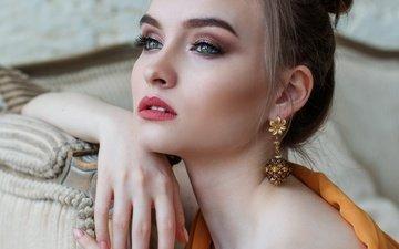 девушка, портрет, модель, губы, лицо, макияж, прическа, сёрьги, шатенка, боке