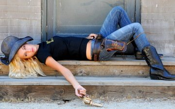 girl, pose, blonde, gun, look, model, jeans, face, makeup, hat, boots, lying