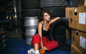 девушка, взгляд, волосы, работа, лицо, азиатка, перчатки, шины