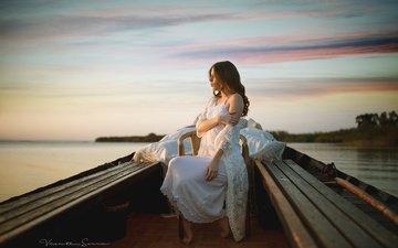 небо, озеро, природа, девушка, горизонт, лодка, профиль, волосы, лицо, в белом